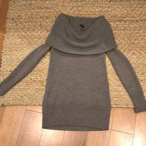 H&M Grey Cowl Neck Sweater Size Small